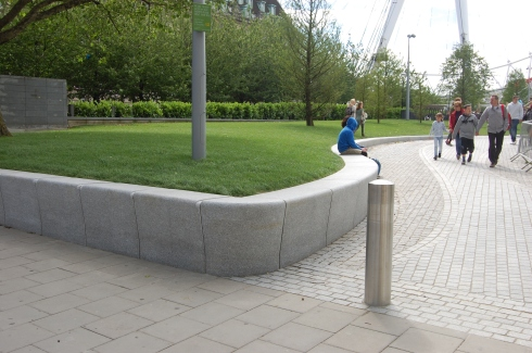 Jubilee Gardens, London - Entrance Seating