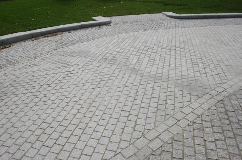 Jubilee Gardens, London - Grass Access Detail