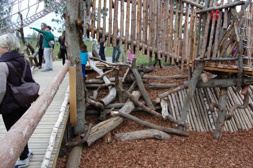 Tumbling Bay Playground, Queen Elizabeth Olympic Park - Climbing Logs