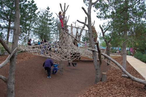Tumbling Bay Playground, Queen Elizabeth Olympic Park - Scrambling Net