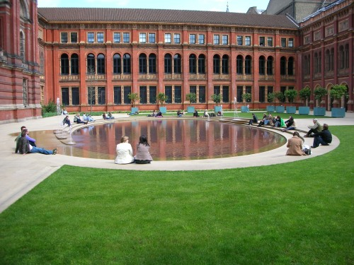 Victoria And Albert Museum Garden, London
