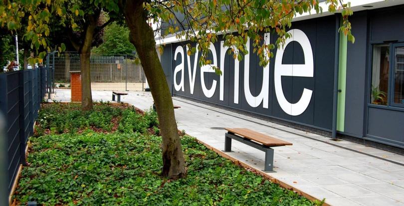 0171 Davis Landscape Architecture Avenue Primary School London Landscape Complete Building Frontage Planting